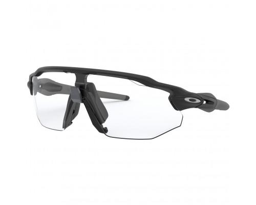 Gafas Oakley Radar EV Advancer Matte Black con lentes Clear/Black Photochrmc Iridium
